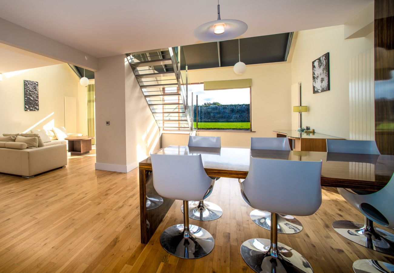 Castlemartyr Holiday Lodges, Modern Pet Friendly Holiday Accommodation in Castlemartyr, County Cork