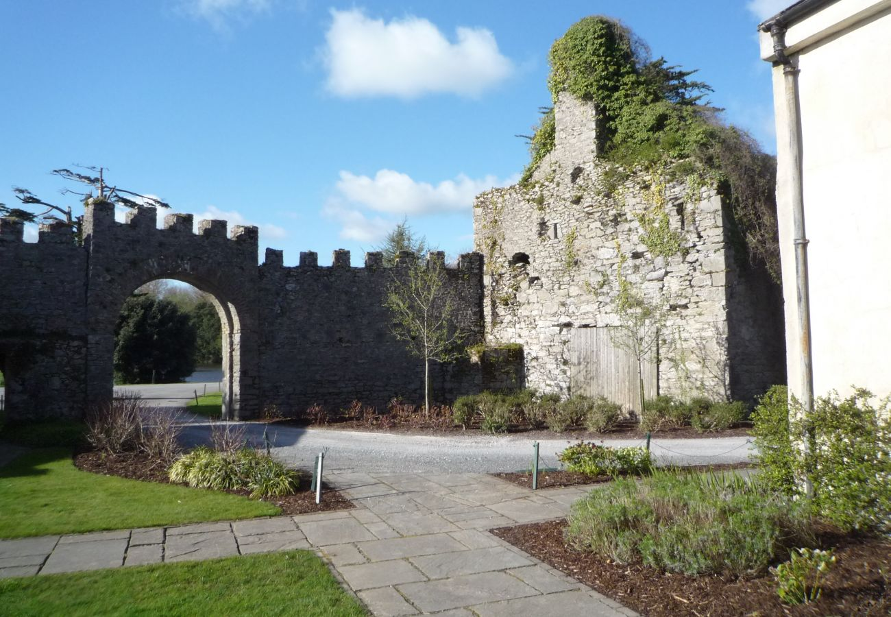Castlemartyr Holiday Lodges,2 Bed Mews, Pretty Holiday Accommodation in Castlemartyr, County Cork
